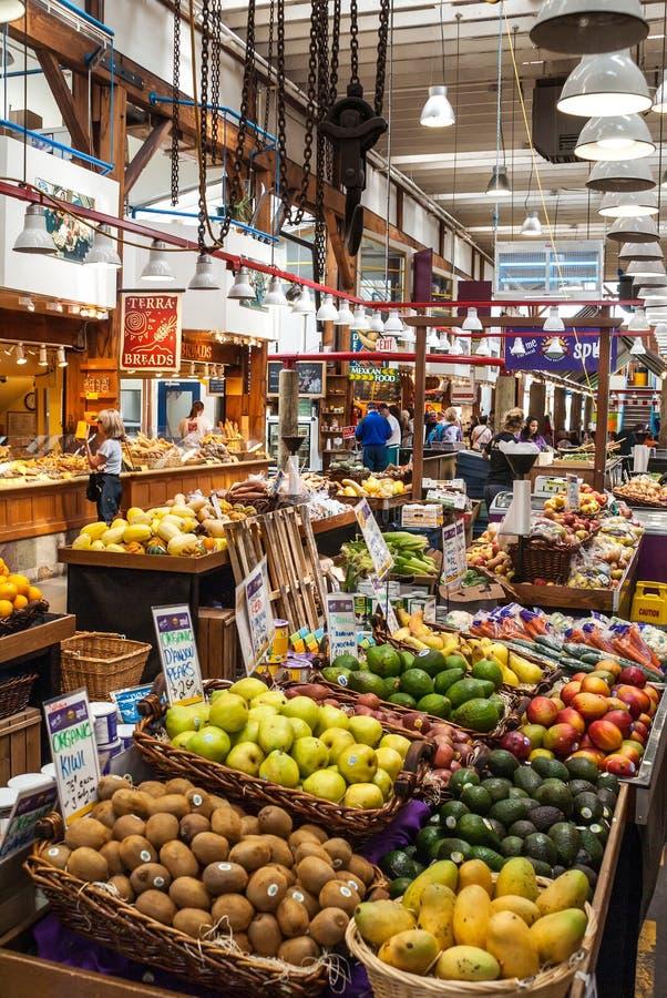 Granville Island Public Market em Vancôver, Canadá imagens de stock royalty free