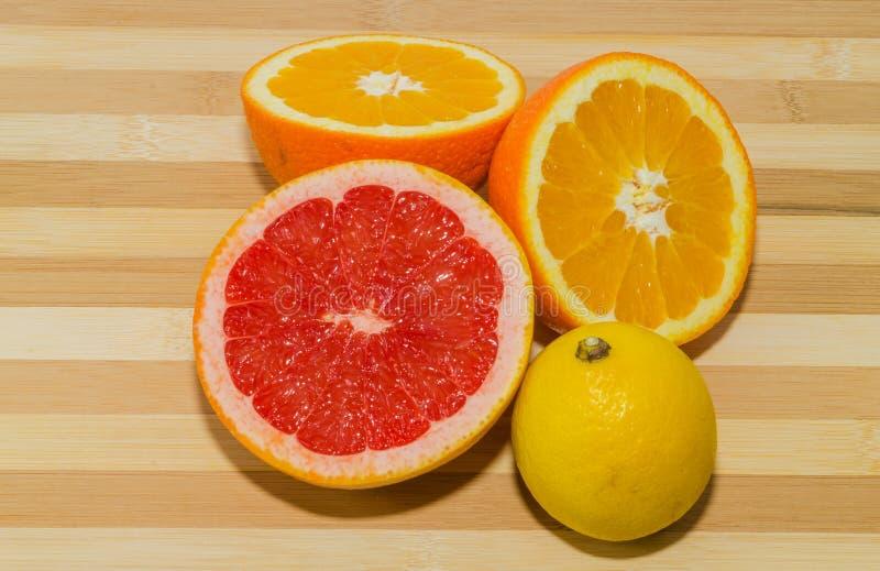 Grapefruit, citroen en sinaasappel stock fotografie
