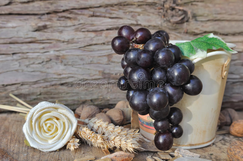 Download Grapes In A Jar Royalty Free Stock Photo - Image: 33425625