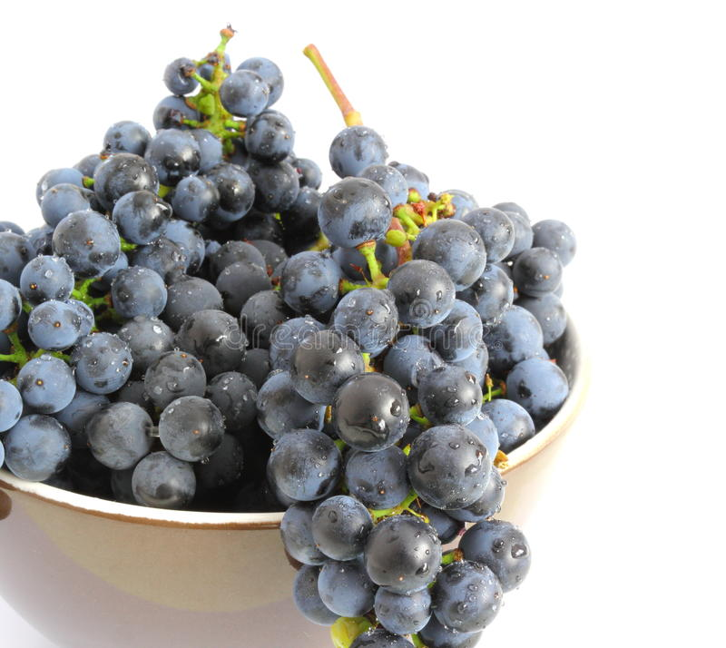 Download Grapes Over White Stock Photography - Image: 26654132
