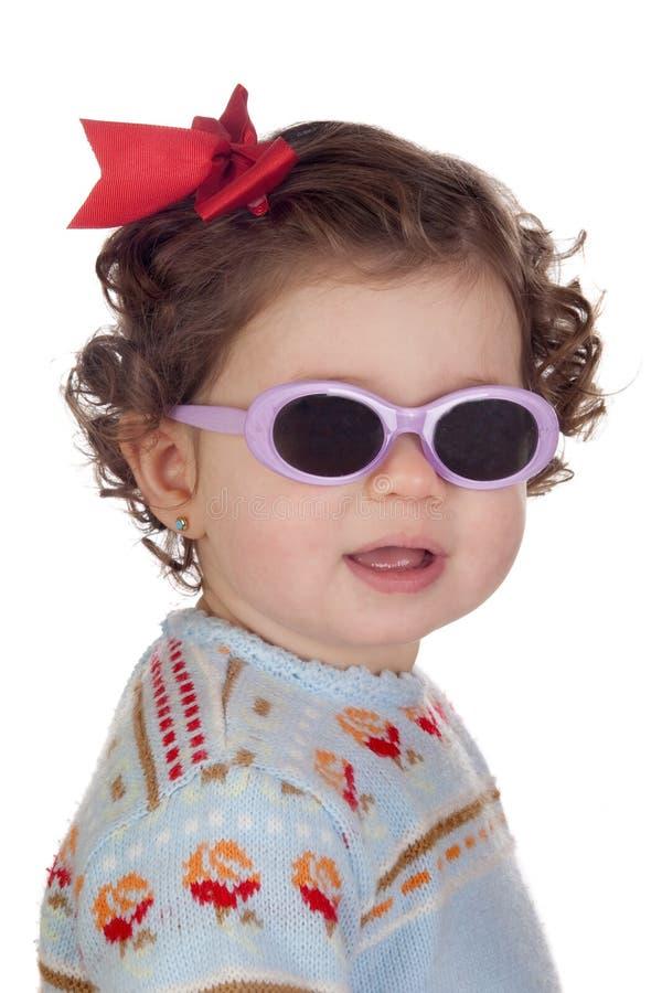 Grappig babymeisje met zonnebril royalty-vrije stock foto's