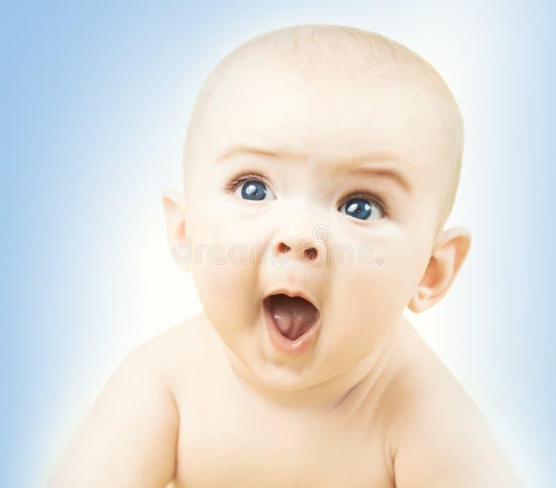 Grappige babyjongen stock afbeeldingen