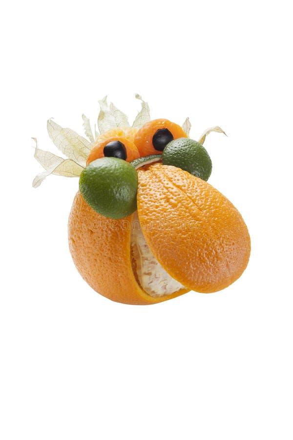 Grappige die mens in glazen van sinaasappel worden gemaakt stock foto