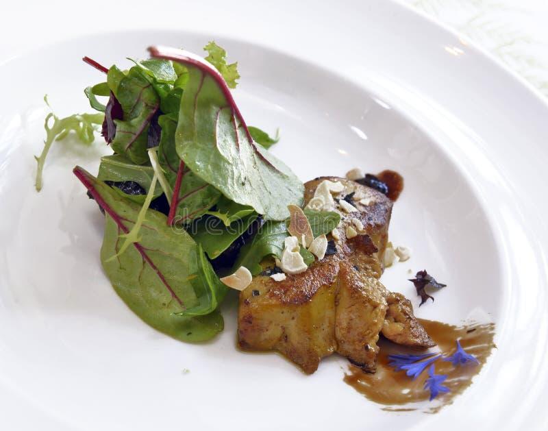 Gras Foie με τη σαλάτα στοκ εικόνες