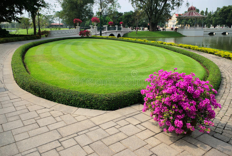 Download Grass And Flowers, Bang Pa In Stock Image - Image: 18210603