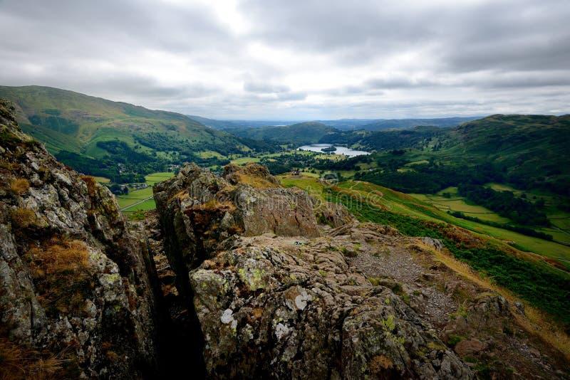 Grassmere van Hoge Raven Crag stock foto