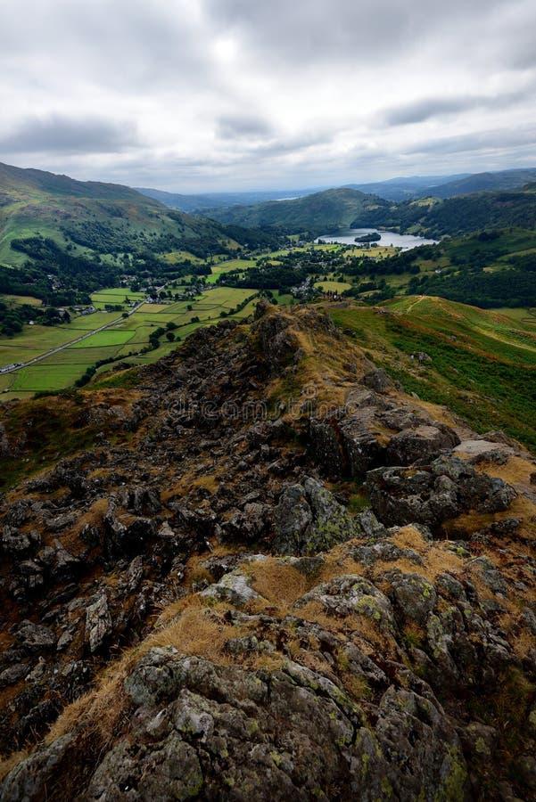 Grassmere van Hoge Raven Crag royalty-vrije stock afbeelding