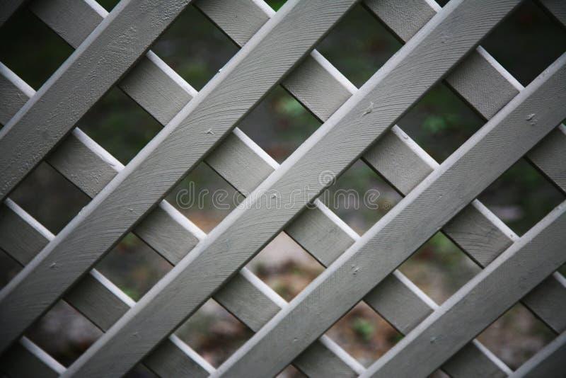 Grata di legno dipinta in grigio immagine stock