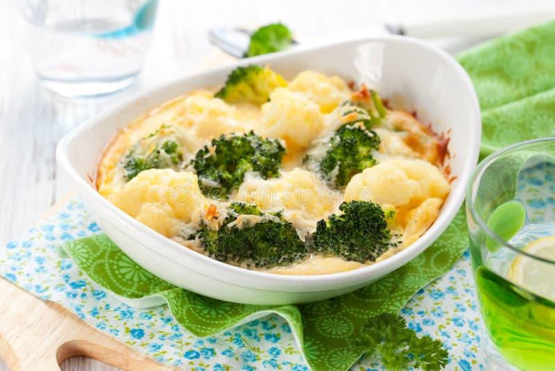gratin cauliflower брокколи стоковые изображения