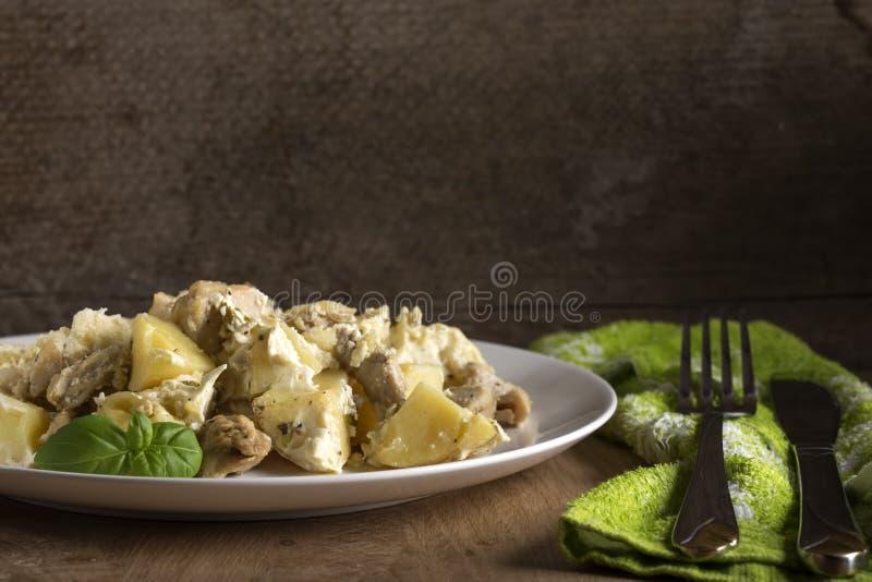 Gratin delle patate con crema immagini stock