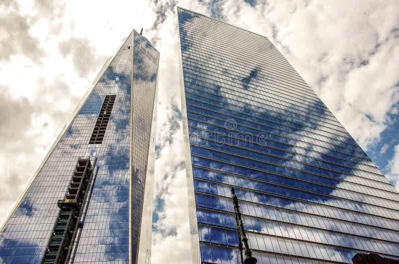 Grattacieli di New York nelle nuvole fotografia stock