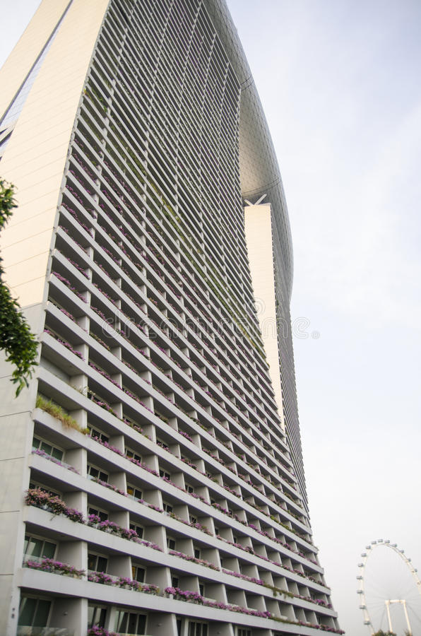 Grattacieli di vetro del grattacielo dei blu acciai for Architettura moderna londra
