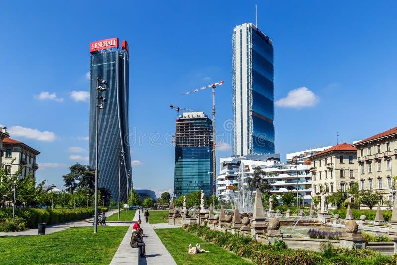 Grattacieli Generali, l'Allianz e Libeskind a Milano immagini stock libere da diritti