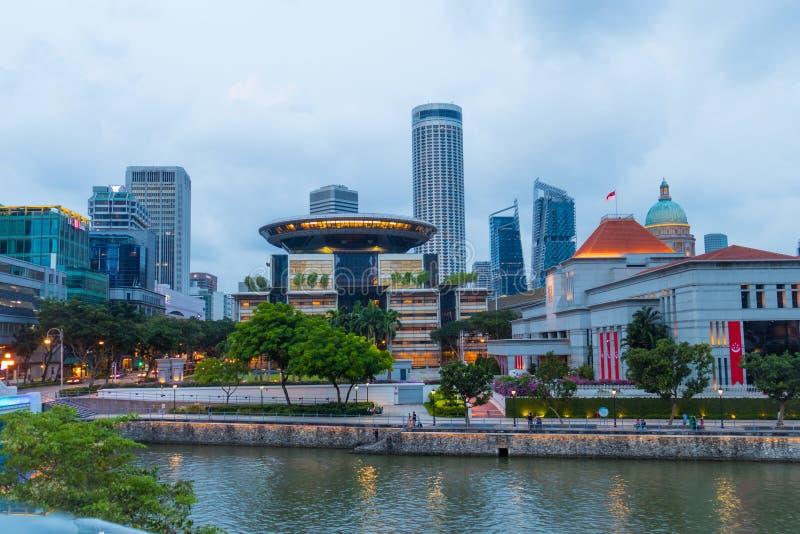 Grattacieli moderni di Singapore, architettura ed il suo fiume fotografie stock