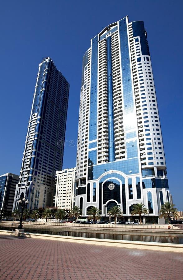 Grattacieli moderni in Sharjah. immagini stock