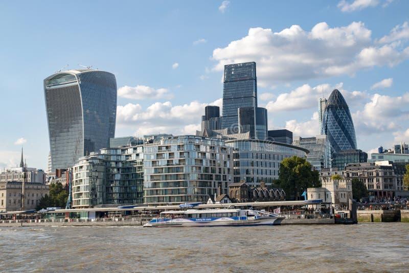 Grattacieli nel centro della città di Londra fotografia stock libera da diritti