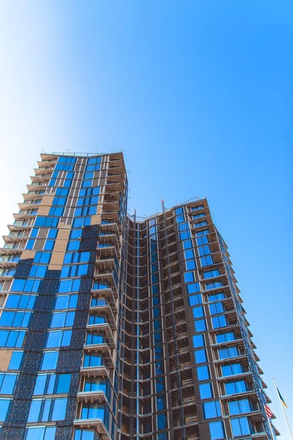 Grattacieli un chiaro giorno immagini stock