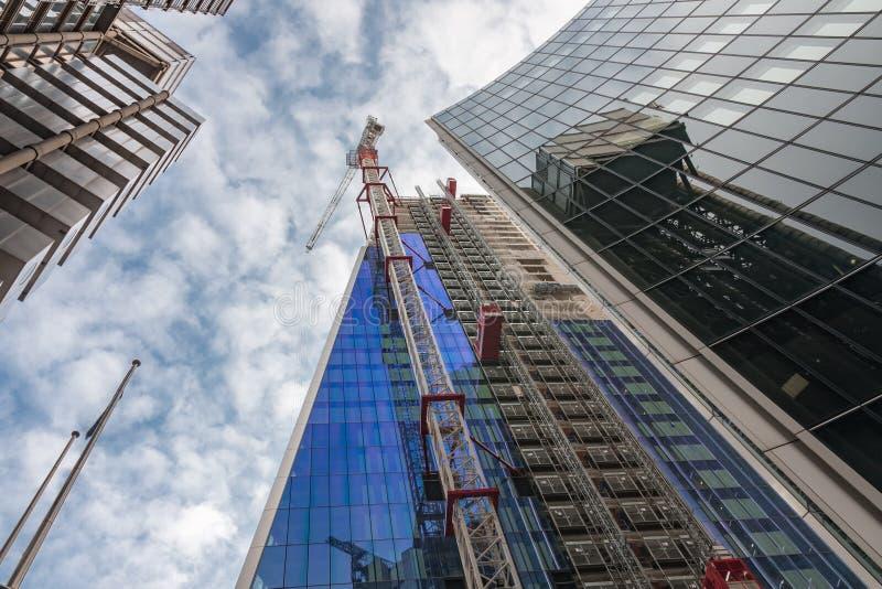 Grattacielo commerciale in costruzione in città di Londra in Th immagini stock libere da diritti
