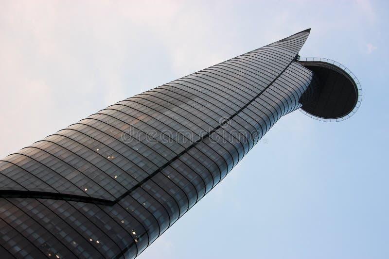 Grattacielo con l'eliporto immagini stock
