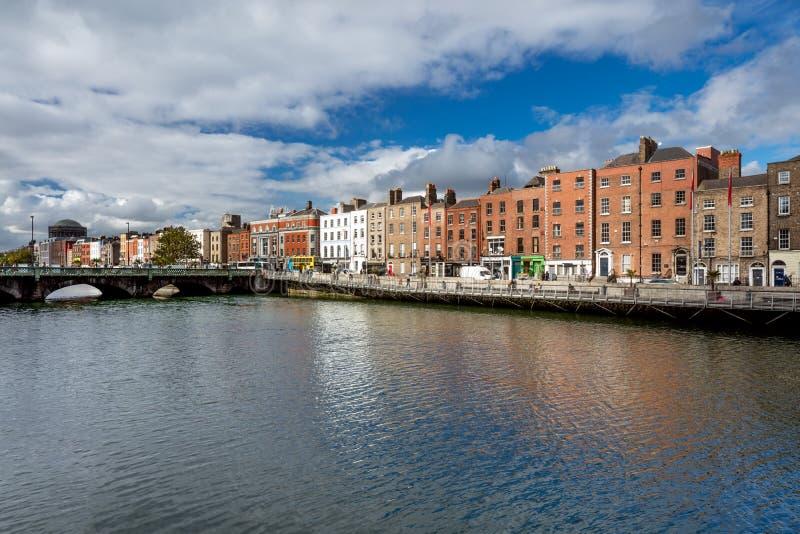 Grattan most jest drogowym mostem nad rzecznym Liffey w Dublin centrum miasta obrazy stock