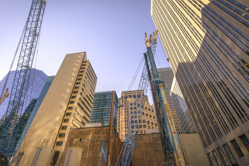 Gratte-ciel à San Francisco - angle dramatique photo libre de droits
