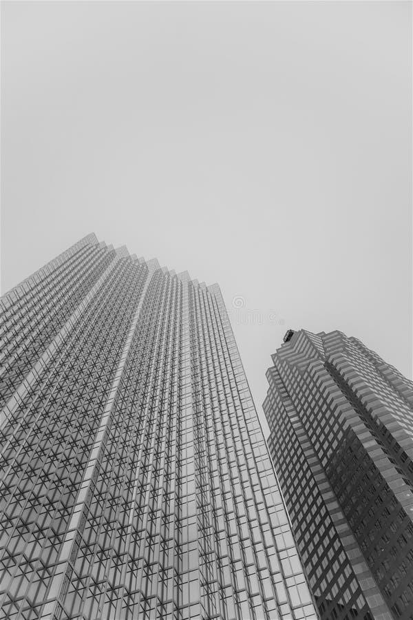 Gratte-ciel à Toronto un jour brumeux images libres de droits