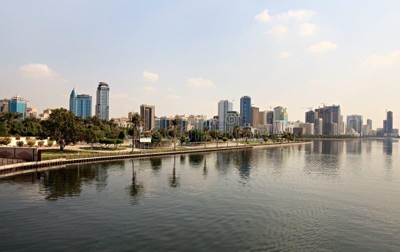 Gratte-ciel au Charjah. photo stock