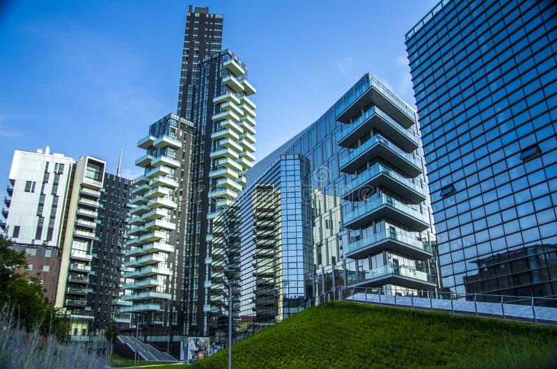 gratte-ciel chez Porta Nuova à Milan, Italie photographie stock libre de droits