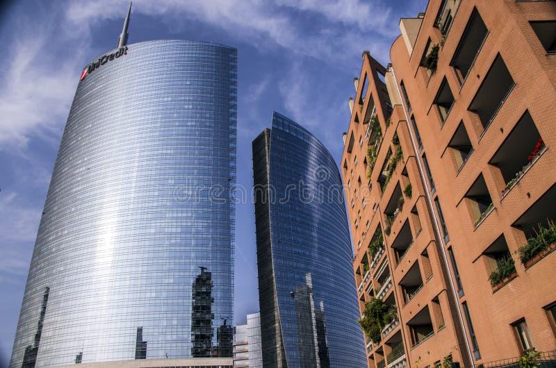 gratte-ciel chez Porta Nuova à Milan, Italie photos stock