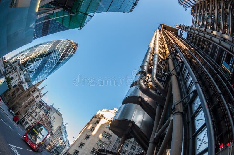 Gratte-ciel dans la ville de Londres images stock