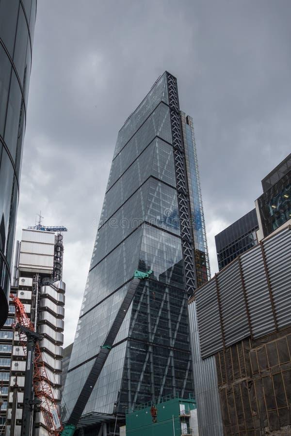 Gratte-ciel dans la ville de La, secteur financier de Londres L'Angleterre et le Royaume-Uni Juin 2015 photos stock