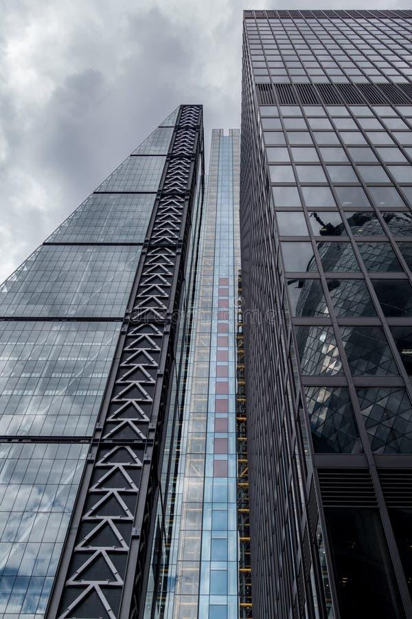 Gratte-ciel dans la ville de La, secteur financier de Londres L'Angleterre et le Royaume-Uni Juin 2015 image libre de droits