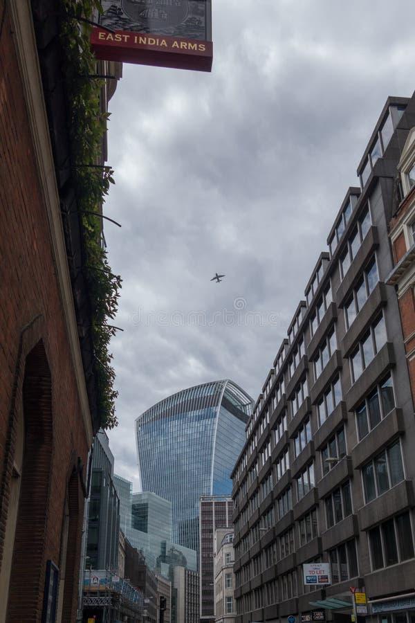 Gratte-ciel dans la ville de La, secteur financier de Londres L'Angleterre et le Royaume-Uni Juin 2015 photo stock