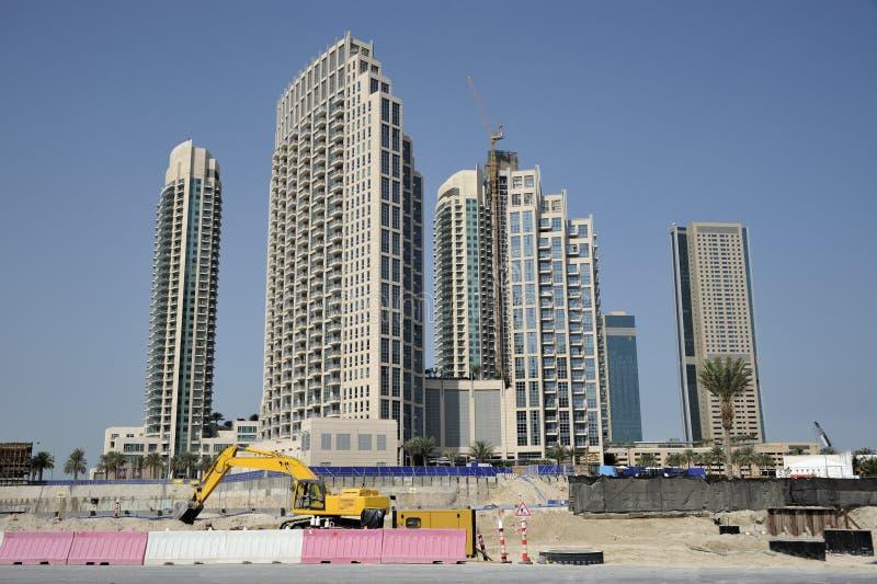 Gratte-ciel de bâtiment de Dubaï de chantier de construction photographie stock libre de droits