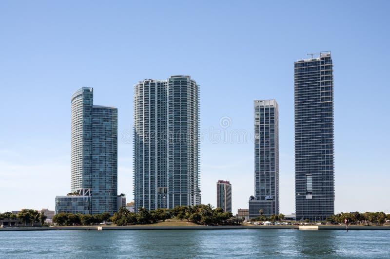 Download Gratte-ciel De Bord De Mer à Miami Image stock - Image du constructions, miami: 45352517
