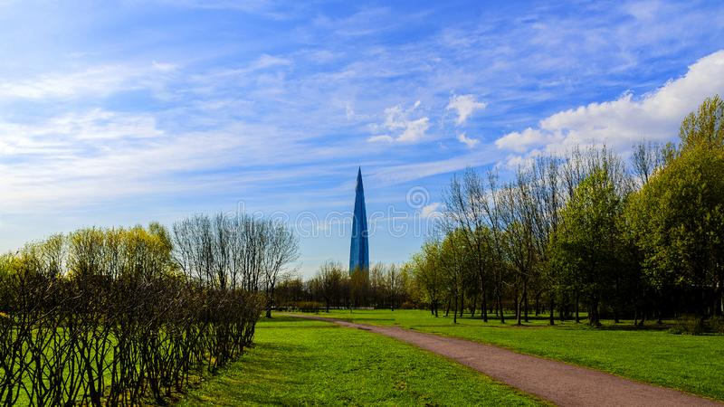 Gratte-ciel, gratte-ciel de centre de Lakhta, centre d'affaires de Gazprom le b?timent le plus grand en Europe photos stock