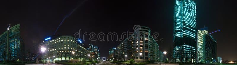 Gratte-ciel de nuit de la défense de La, Paris, France photo stock