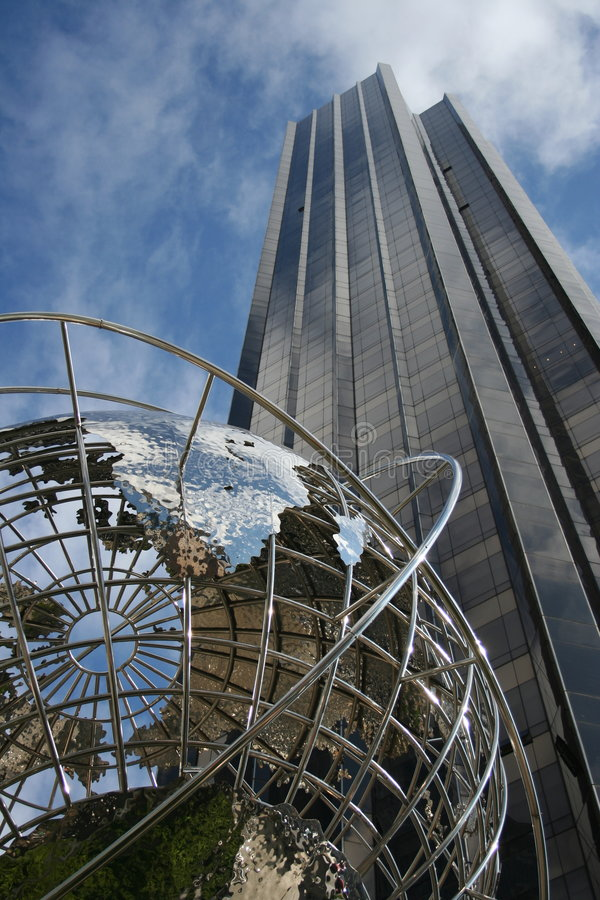 Gratte-ciel global du bâtiment photos stock
