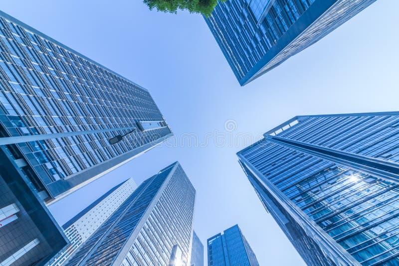 Gratte-ciel modernes communs d'affaires, gratte-ciel, architecture augmentant au ciel photographie stock