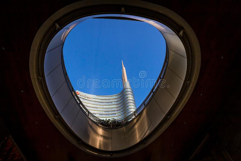 Gratte-ciel modernes dans Gael carré Aulenti, Porta Nuova, à Milan Italie image libre de droits