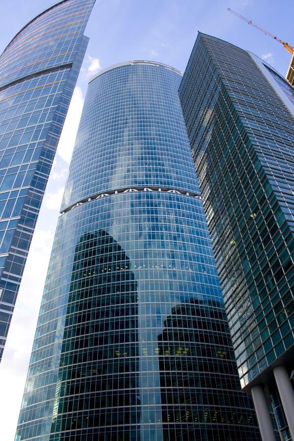 Gratte-ciel neufs au centre d'affaires de ville de Moscou photos stock
