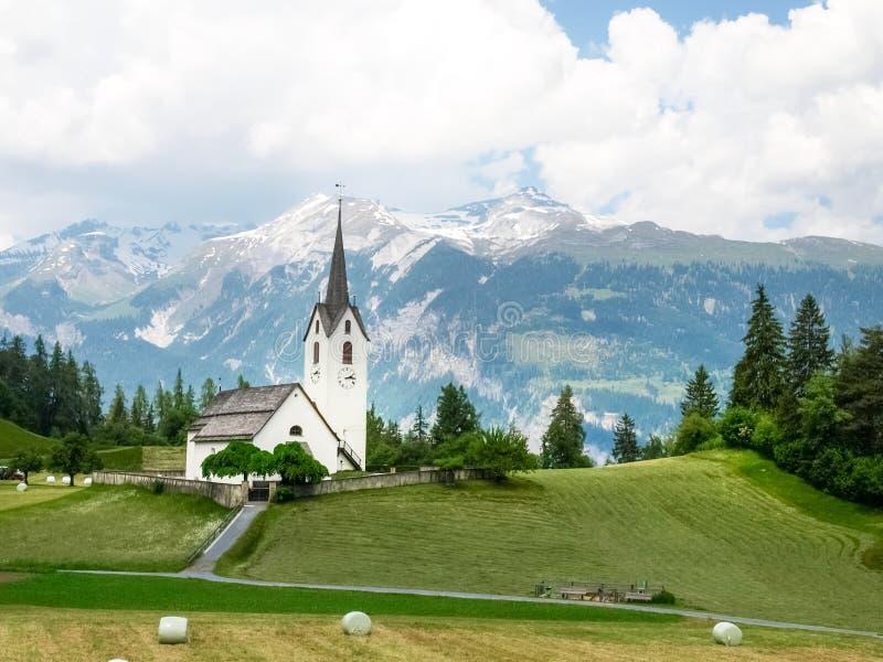 Graubuenden Uri, Schweiz: Urserental arkivfoton