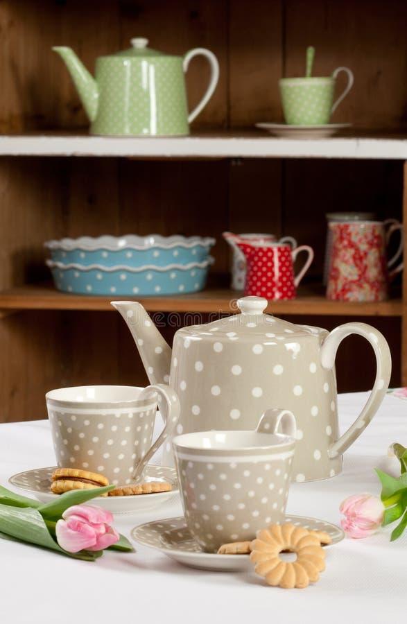 Graue Teeeinstellung stockfoto