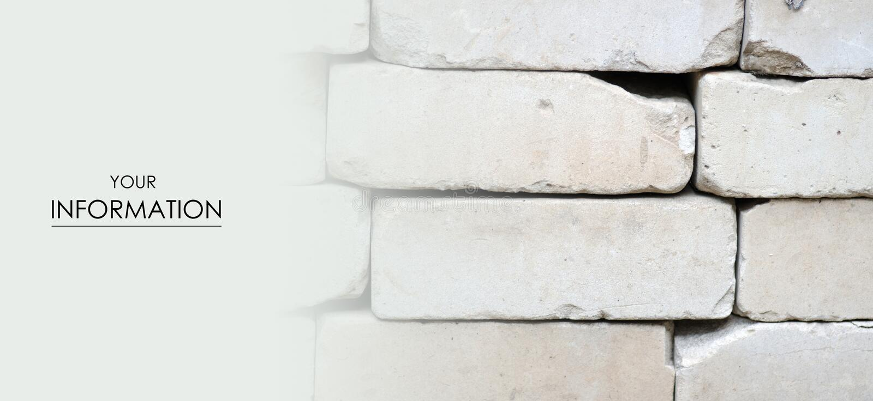 Graue Ziegelsteine sind Staplungsbaubeschaffenheit stockfoto