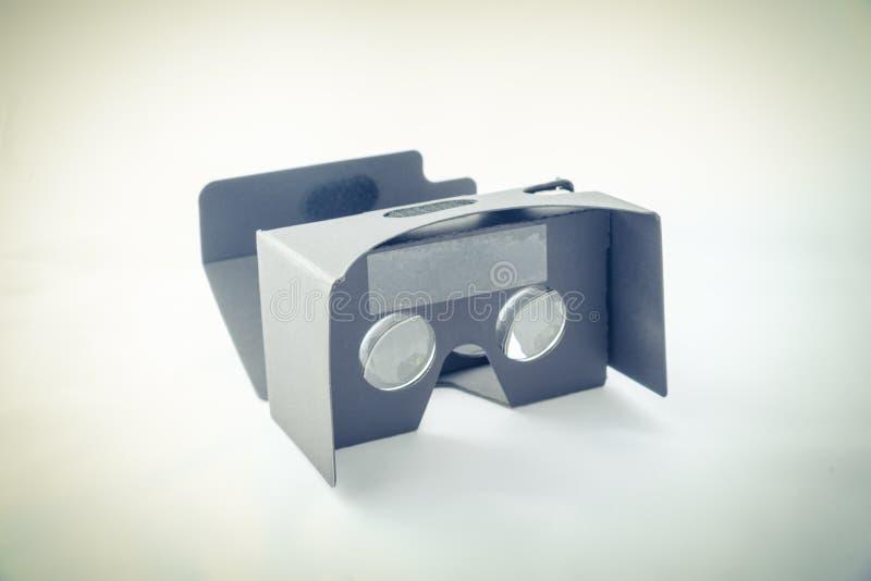 Grauer Kopfhörer der virtuellen Realität lokalisiert stockbilder