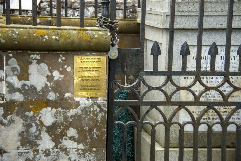Grav av George Beattie - skotsk poet som sköt sig i 1823 arkivfoton