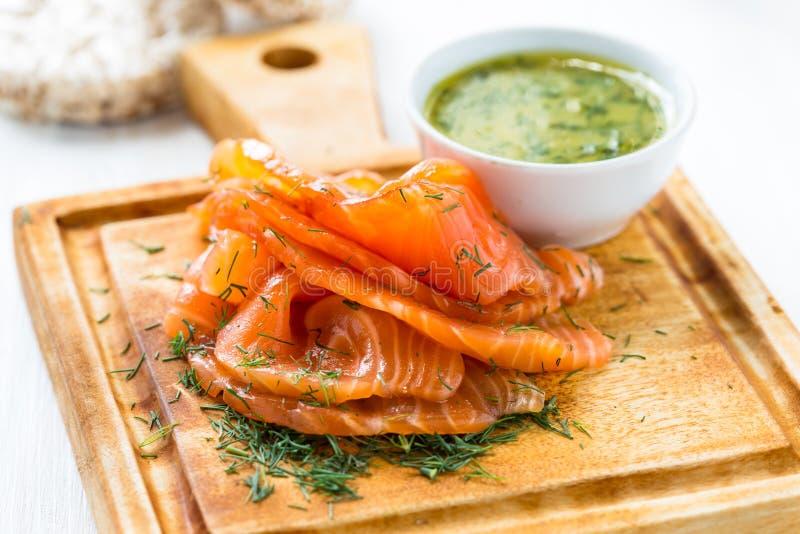 Gravadlax, salmone affumicato stile scandinava immagini stock