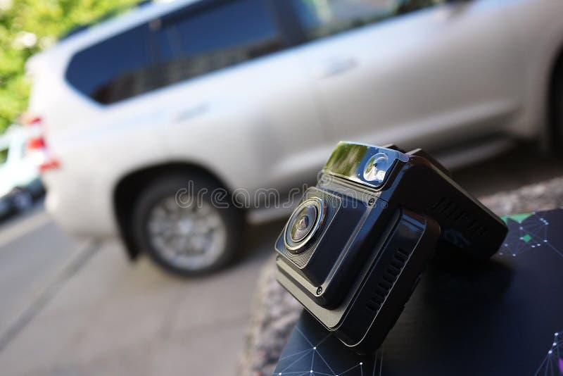 Gravador de v?deo para gravar a situa??o do tr?fego ao conduzir seu carro Pode ser usado nos carros e nos caminh?es imagem de stock