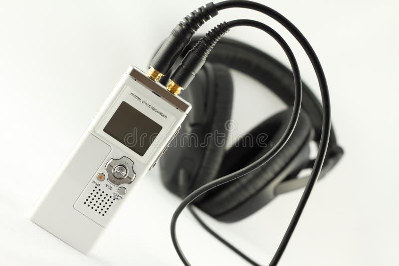 Gravadora de voz e auscultadores de Digitas. imagens de stock royalty free