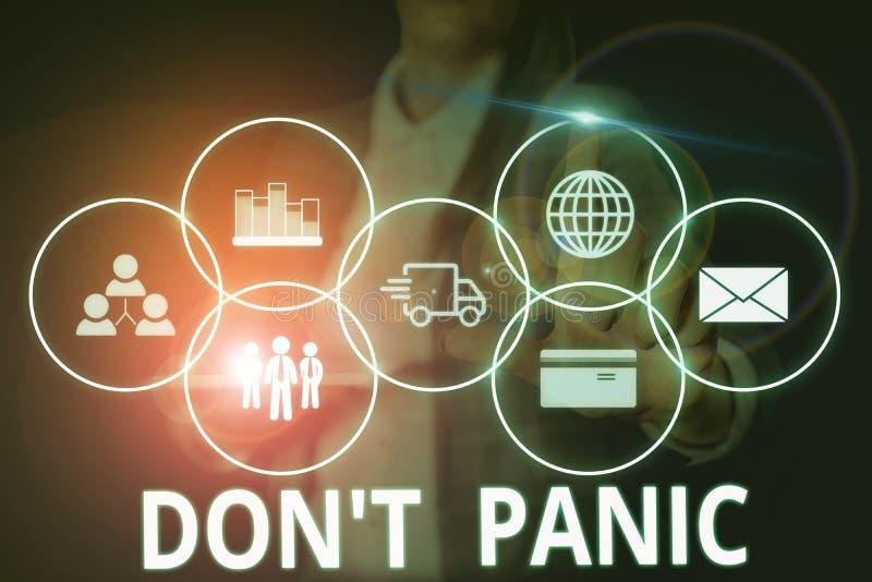 Gravando nota mostrando Don T Panic Foto comercial mostrando um súbito e forte sentimento de medo evita pensamentos razoáveis foto de stock royalty free